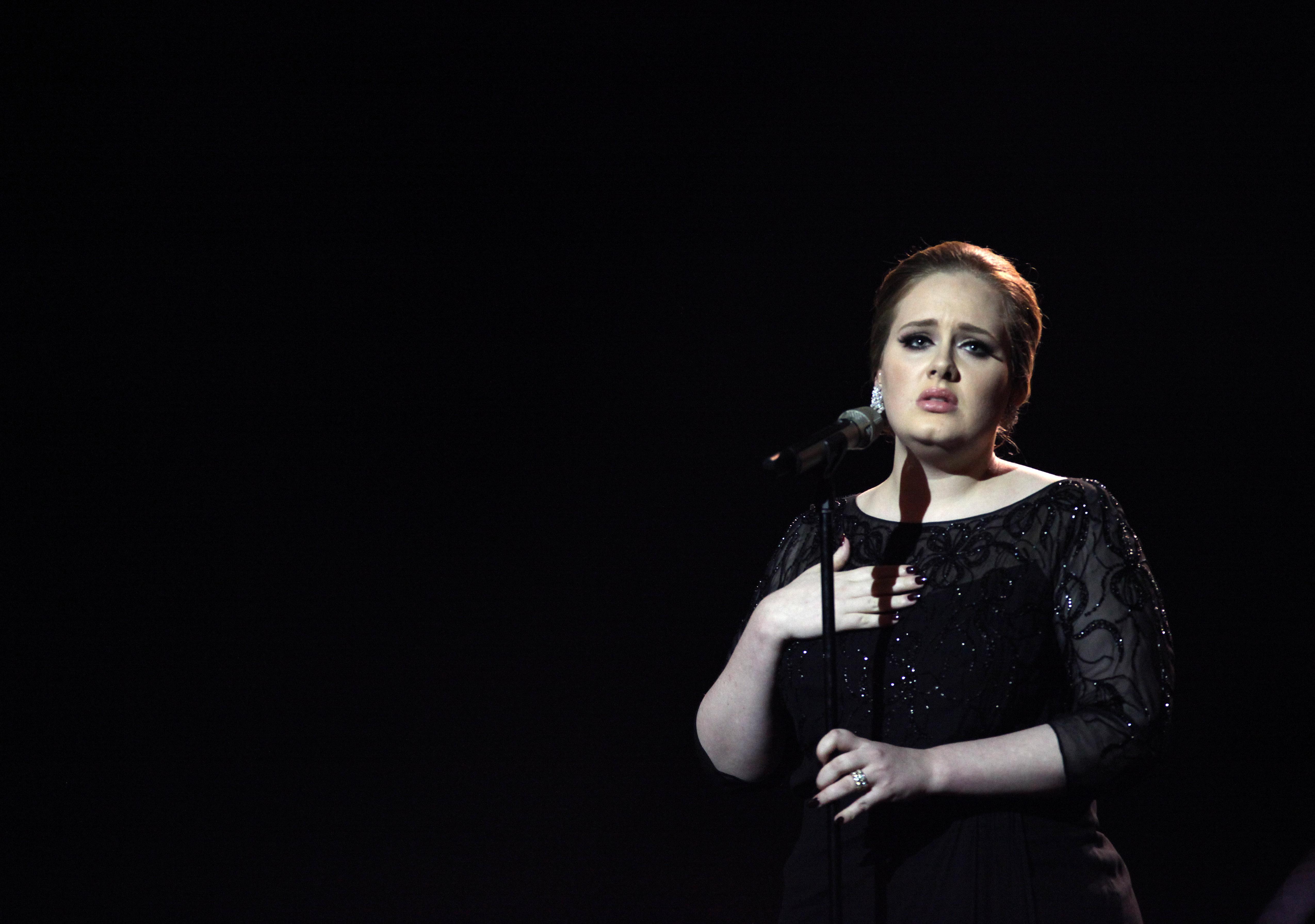 Adele habló sobre la psicosis posparto en Instagram