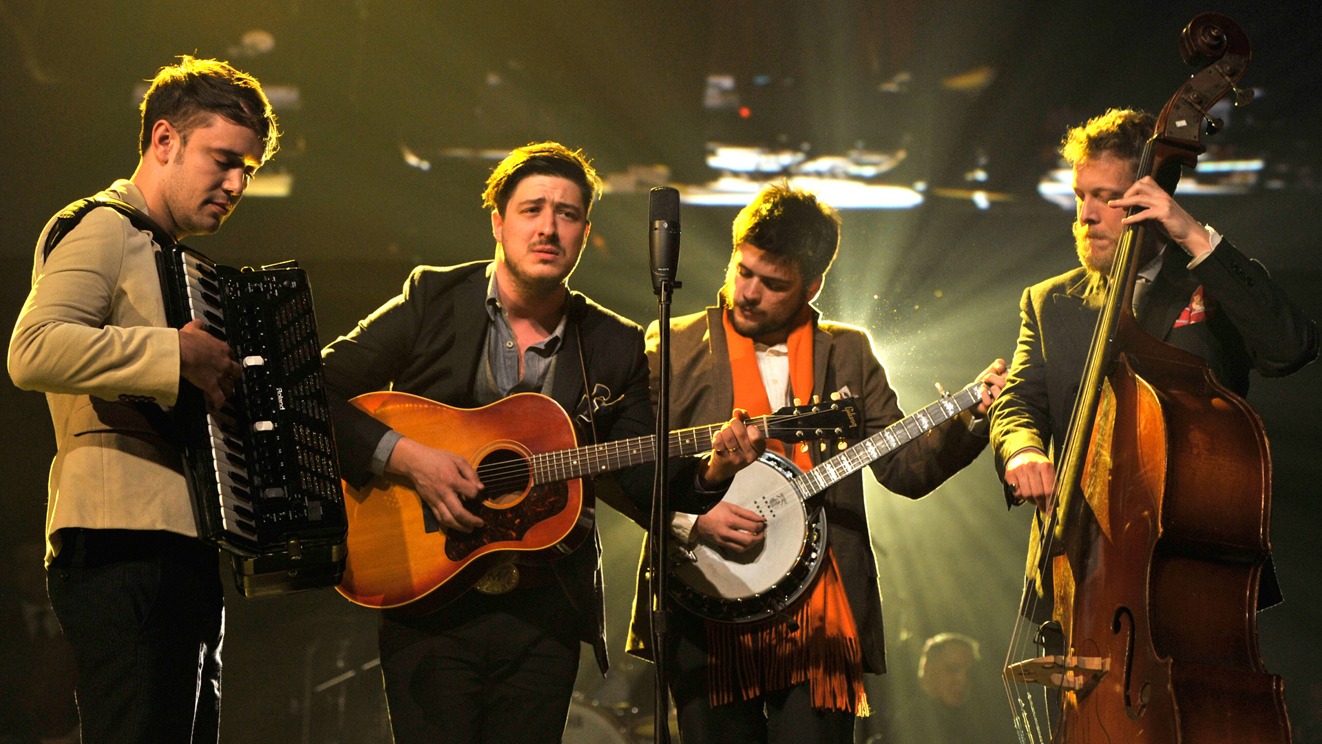 Mumford & Sons regresa con nuevo video