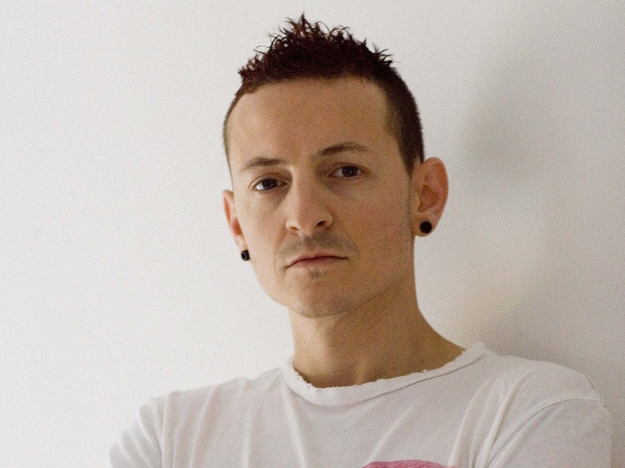 Se habría suicidado Chester Bennington de Linkin Park
