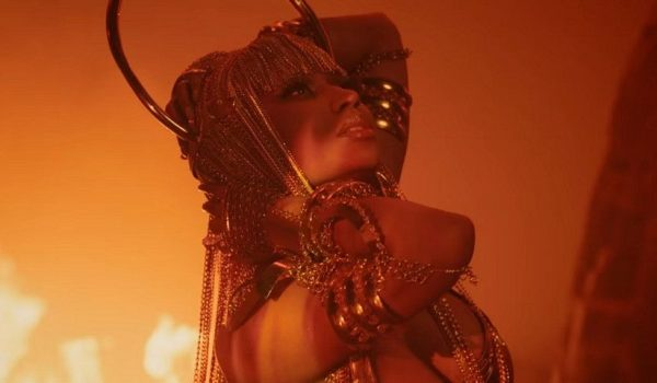 "Nicki Minaj estrenó el video: ""Ganja Burn"""