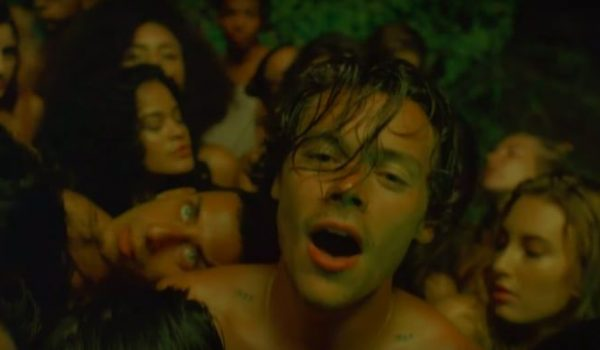"Harry Styles regresa con nuevo tema y video llamado ""Lights Up"""